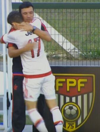 Com golaços, Fla confirma primeiro lugar de grupo na Copinha