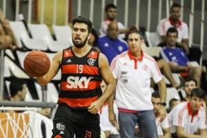 Gegê liderou a equipe em rebotes e assistências na vitória sobre LSB (Foto: Bruno Lorenzo/LNB)