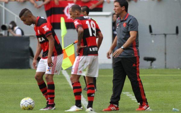 Zé valoriza o segundo tempo da equipe e não condena César Martins pela expulsão