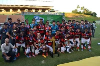 Fla Sub-15 conquista Copa 2 de Julho na Bahia