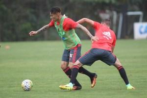 Guerrero no treino de sexta-feira (16) no CT George Helal. Foto: Gilvan de Souza