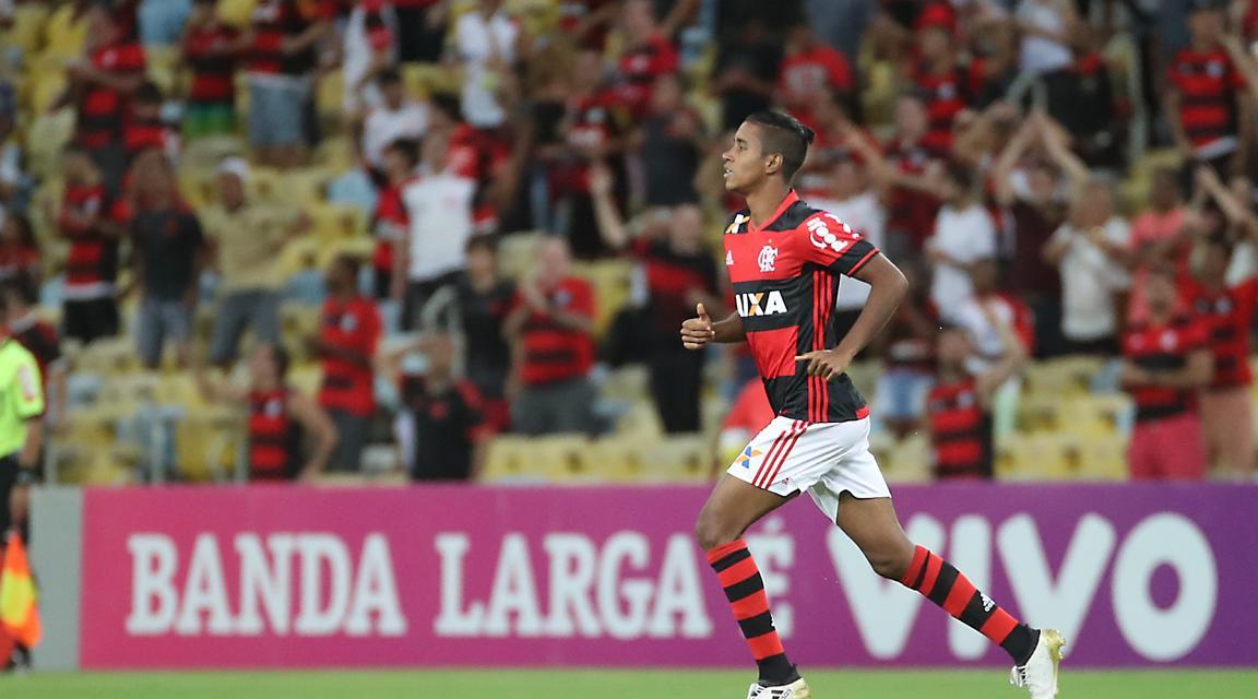 Flamengo fica com parcela pequena de renda no Maracanã