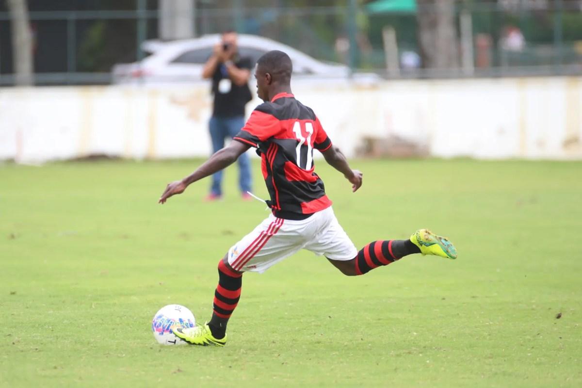 Com reforço de Vinicius Jr, Flamengo busca a primeira vitória na Copa RS Sub-20