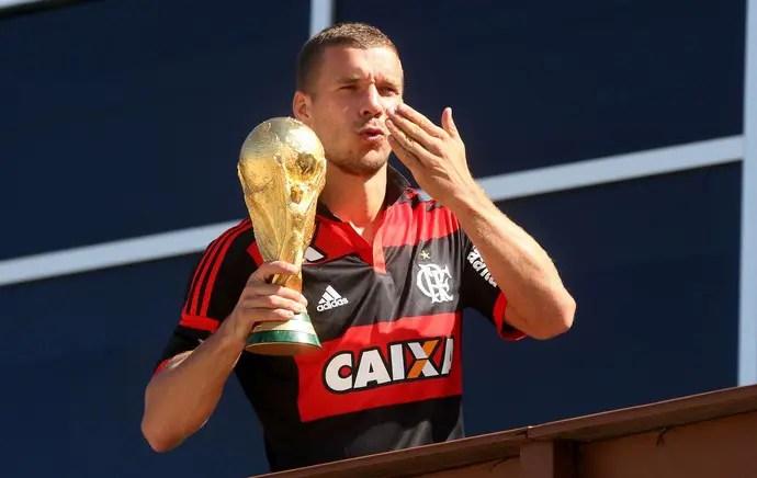 Jornal turco diz que Fla fez proposta por Podolski