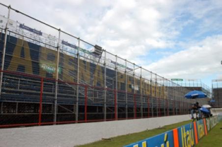 Arena Petrobrás: primeira vez que o Luso-Brasileiro foi usado pelo Fla, em 2005.