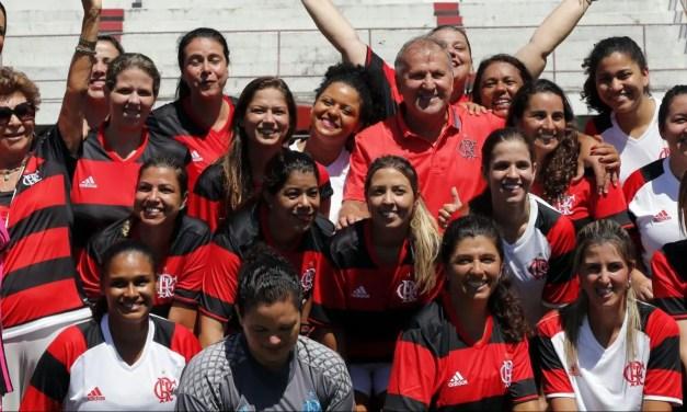 Com a presença do Zico, Flamengo faz homenagem às mulheres