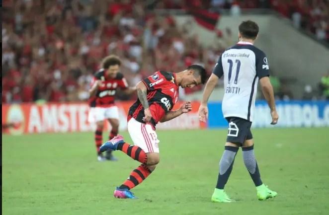 Fla mantém 100% em casa contra argentinos na Libertadores