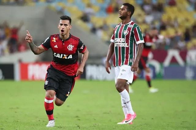 Autor do gol que salvou o Fla de derrota no clássico é destaque nos jornais peruanos