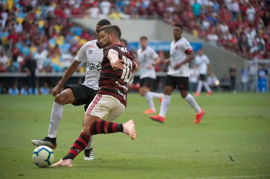 """Athletico é """"freguês"""" do Flamengo em confrontos eliminatórios na década"""