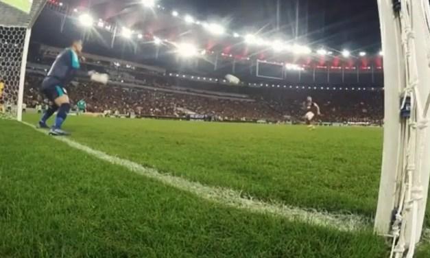 Mas o 10 do Flamengo não fez nada disso
