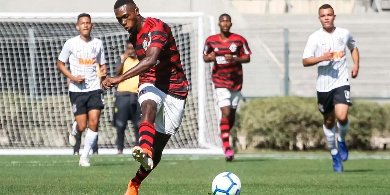 Sub-17 consegue virada espetacular e sai na frente na decisão do Brasileiro