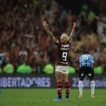 """#Faltam3Dias: com """"AeroFla"""", Mengo viaja nesta quarta para Lima; confira todos os detalhes que cercam a final"""
