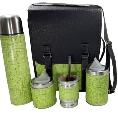 Set matero camping sencillo verde claro con mate algarrobo ventas por mayor