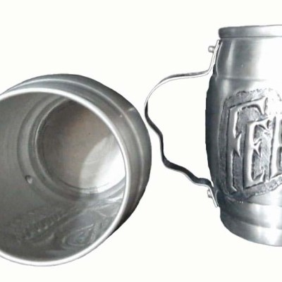 Chopera de aluminio cincelada a mano con figura de Fernet