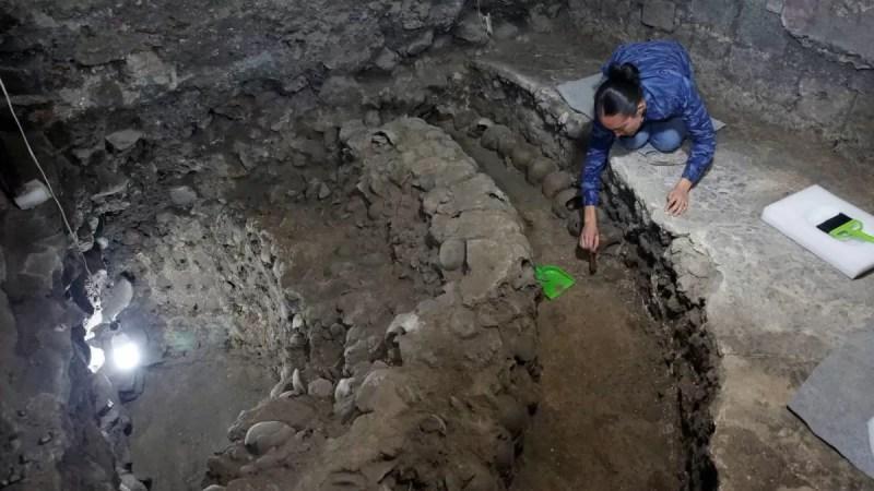 Possível Câmara de Sacrifícios Astecas apito asteca da morte