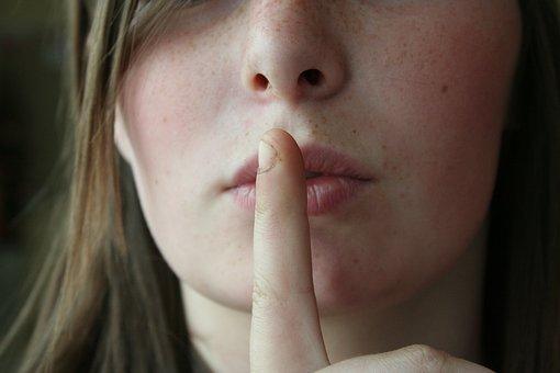 株式投資について家族や友達に話しますか?秘密ですか?