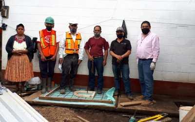 Visita a trabajos de construcción de letrinas en la comunidad de San Rafael Sacatepéquez, San Antonio Sacatepéquez.
