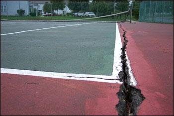 Cracked tennis court, Tennis court repair, Milwaukee, Waukesha, Wisconsin