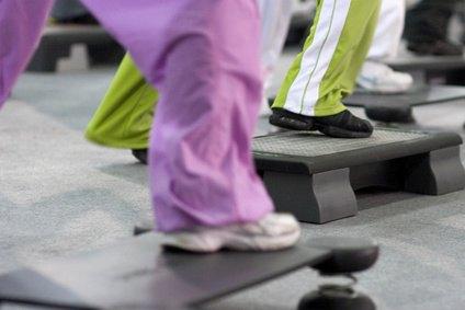 Der Schritt: Übung um 2 Kilo in zwei Wochen zu verlieren