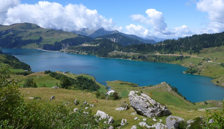 Picture postcard alpine lake