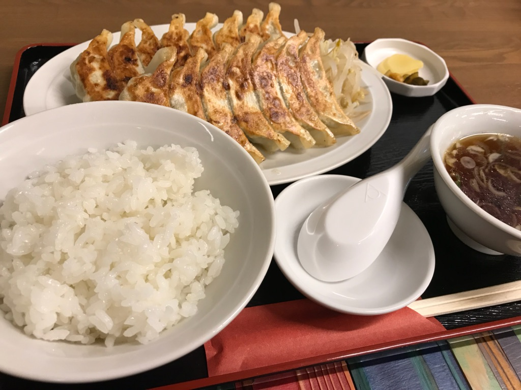 浜松餃子、ビワの木