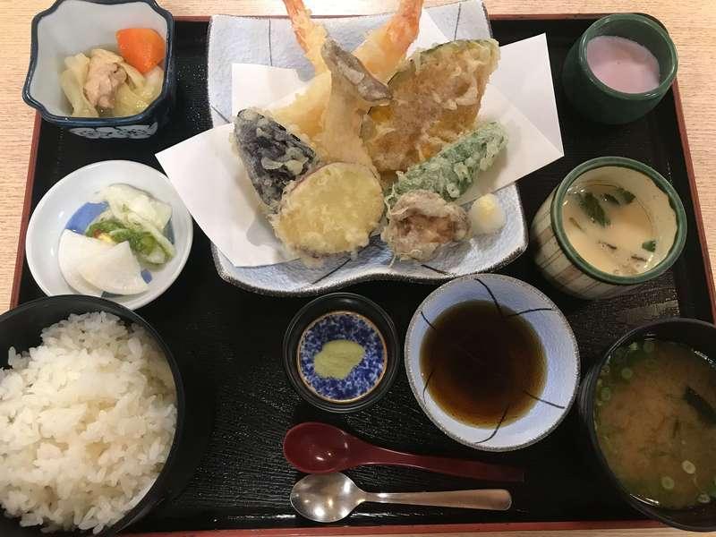遠州浜大巌露天風呂八扇乃湯の天ぷら定食