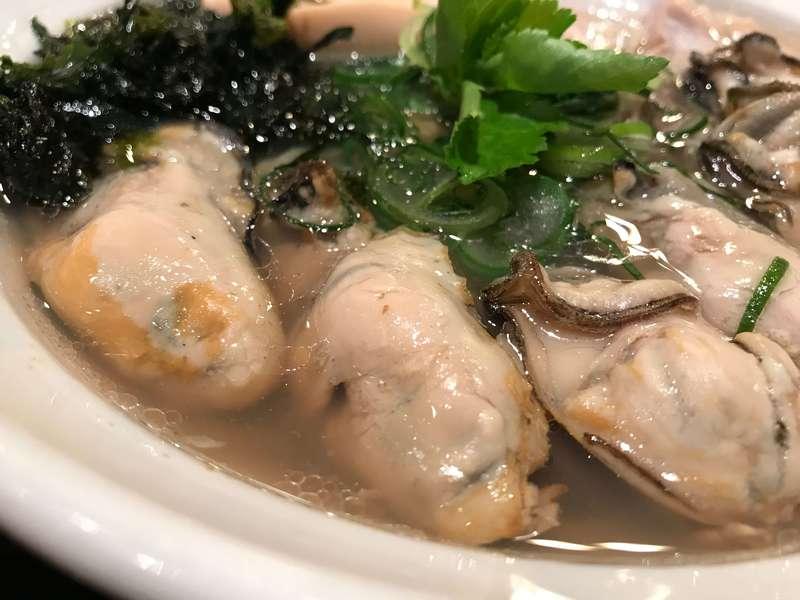 麺や厨の牡蠣しおそばの牡蠣