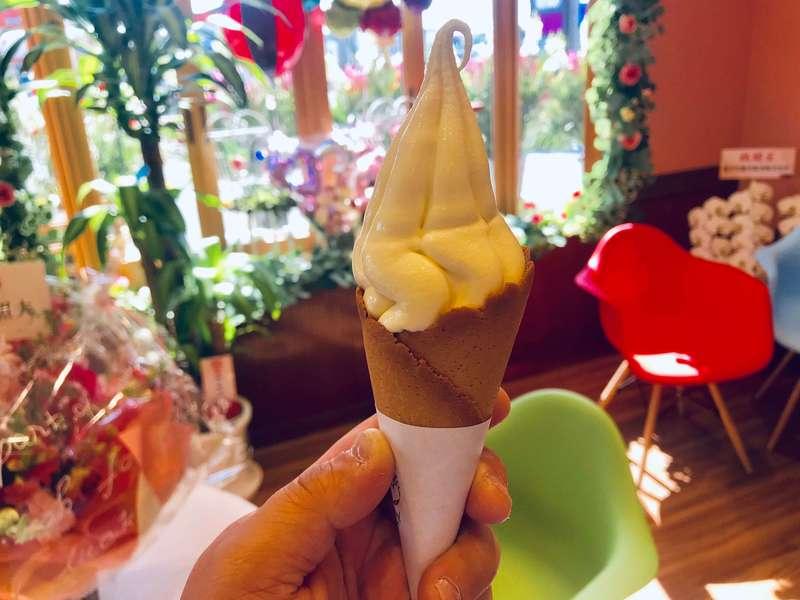 浜松プリンPrifulのブーケソフトクリーム