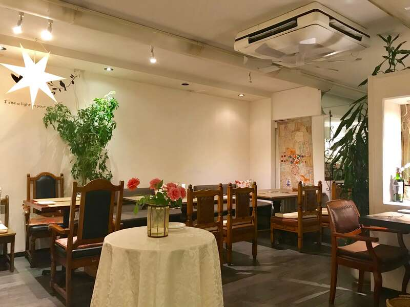 PAUSE CAFE(ポーズカフェ)の店内