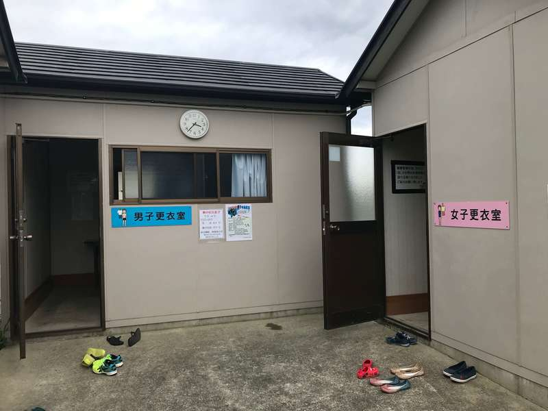 江之島水泳場の更衣室