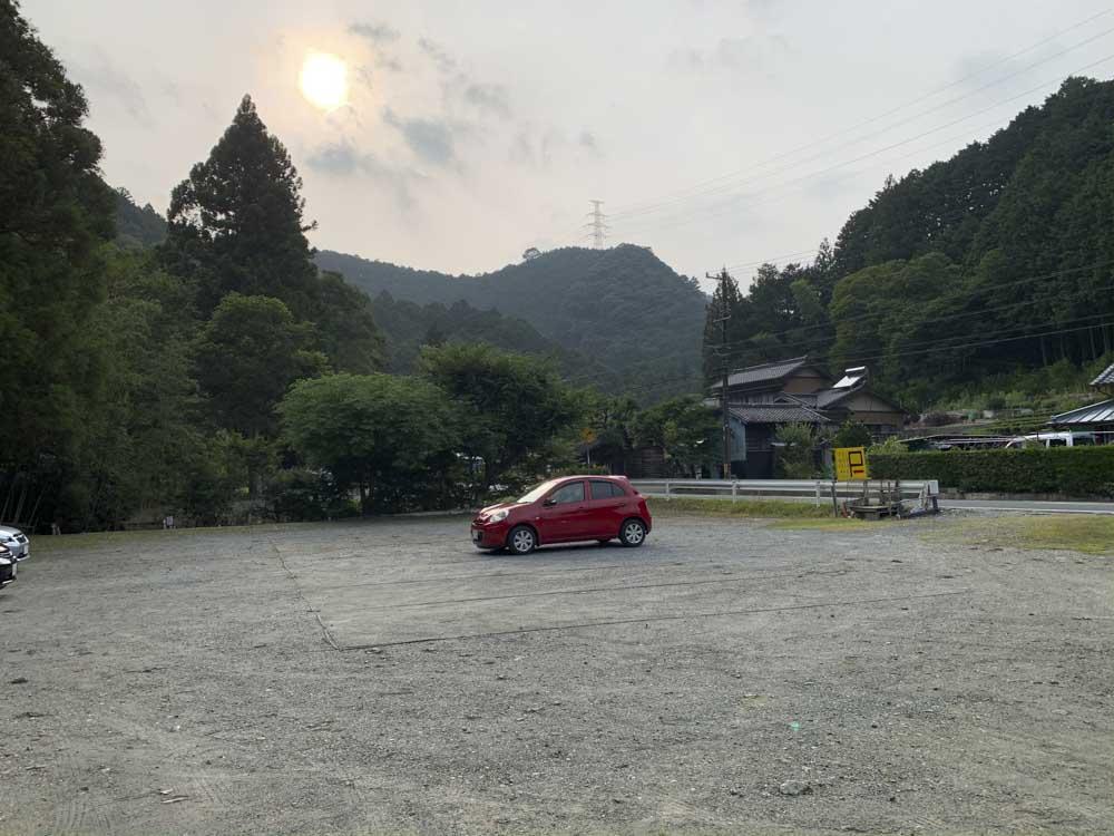 アツミ駐車場