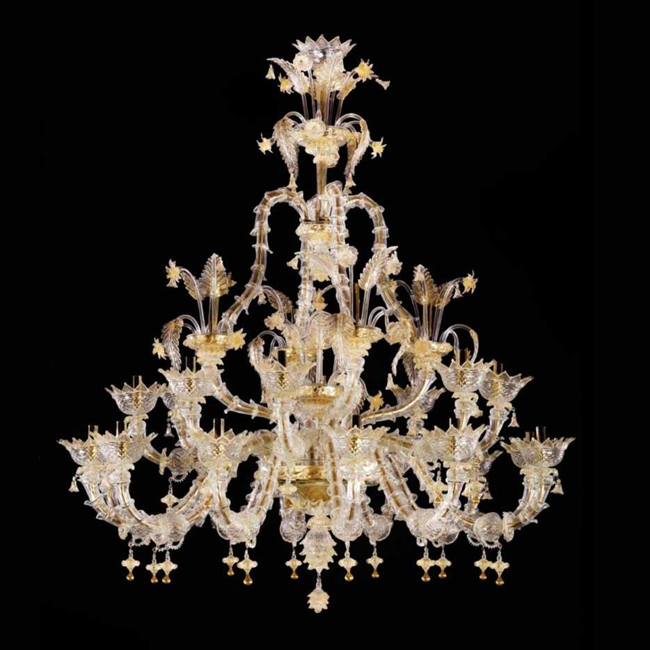 Autentico lampadario cà rezzonico classico veneziano lavorato secondo la rinomata tecnica del vetro di murano. Tribuno Lampadario Di Murano Ca Rezzonico 24 Luci Murano In Web