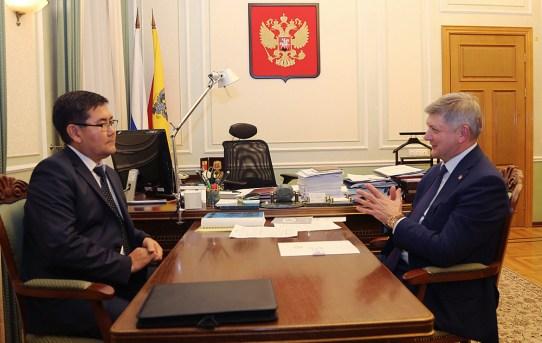 Александр Гусев встретился с Почетным консулом Кыргызстана в Воронеже и области