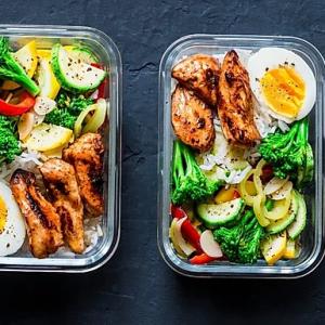 Matpakke beger med kylling,egg,salat