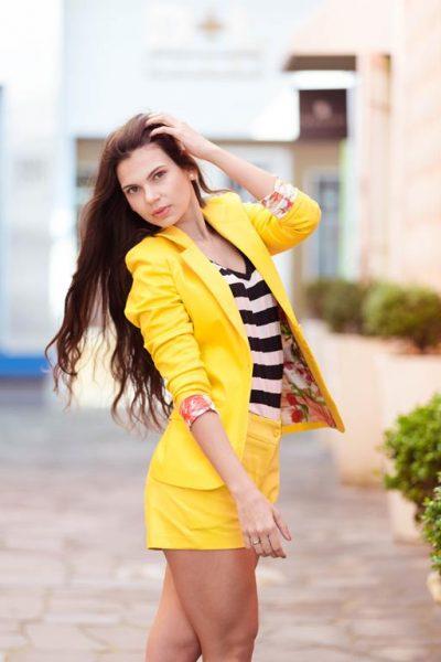 Conjunto ideal ideal pro verão, com blusa listrada de malha!