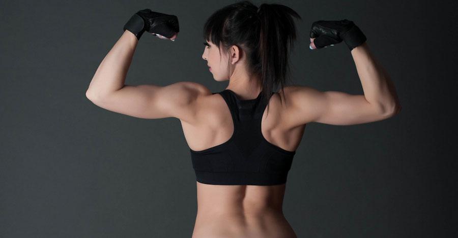 muscular european camgirl innocentsighte flexing