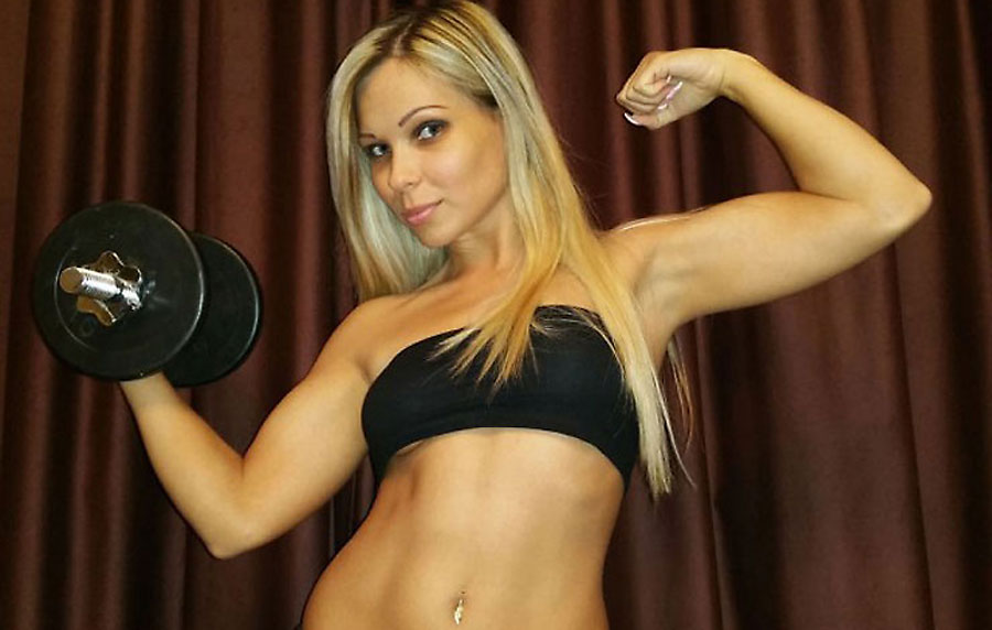 athletic camgirl blonde fitkitten