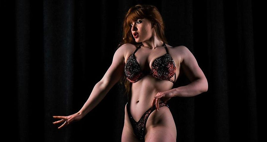 muscular camgirl redhead meridaloovy