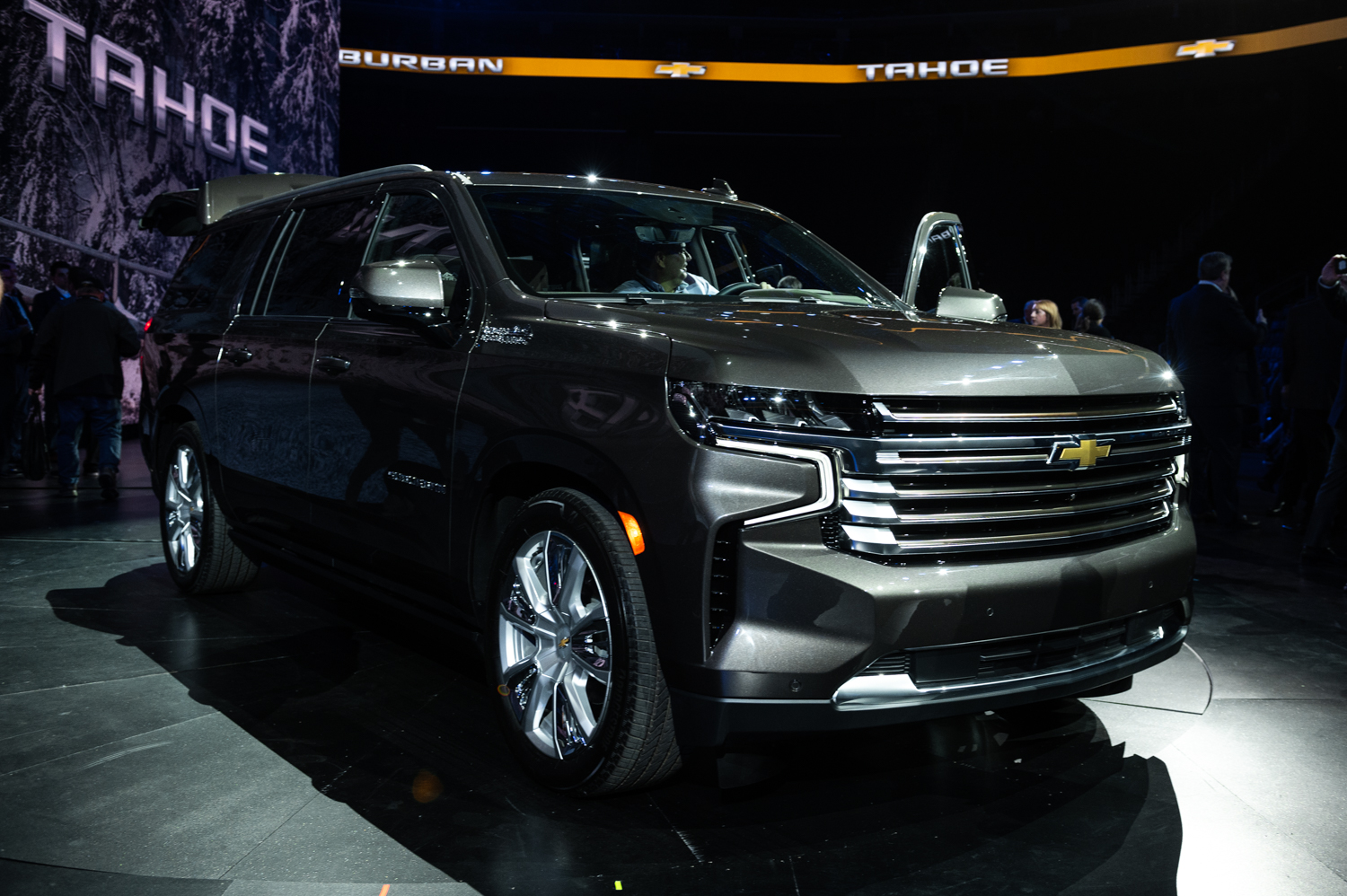 2021 chevrolet suburban price is the same as before