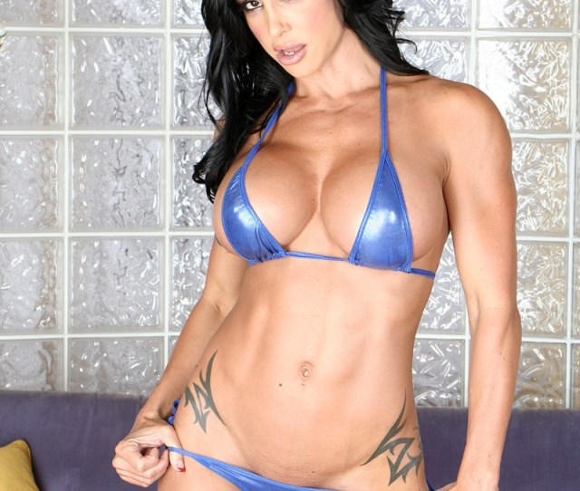 Enter Naked Muscle Girls Right Now