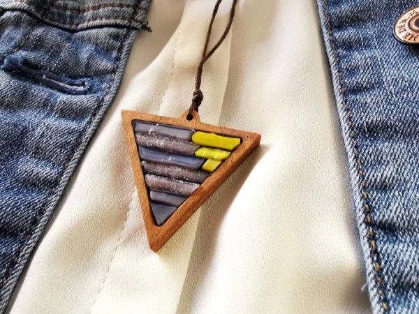Kette Dreieck Holz Glas personalisiert gelb lila