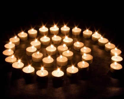 candles_medium_chavahaima_112418