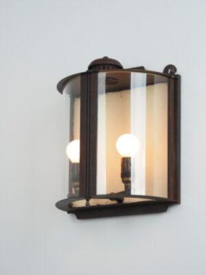 Découvrez tous les produits design et deco de la catégorie mezza lanterna da parete : Mezze Lanterne Muselli Officineluce