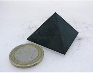 01-Pirámide Shungita sin pulir 3cm