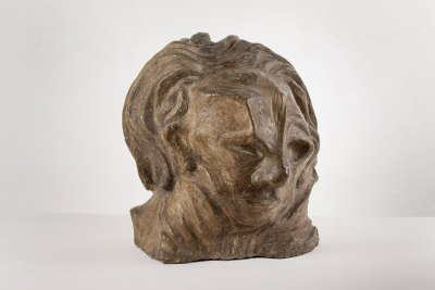 """El filósofo (cabeza goya)"" 1920 : concreto policromado 35 x 31 x 32 cm"