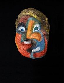 """""""Máscara"""" s.f. : cemento policromado 35.5 x 24 x 10 cm"""