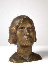 """""""Retrato de mujer"""" 1934 : bronce 17.5 x 13.5 x 13 cm"""