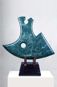 Hacha | 1997 Talla sobre mármol 113 x 104 x 26 cm