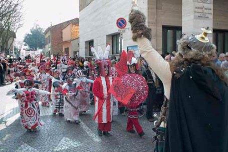 2006 L'armata dell'Arti e Mestieri e l'artista battagliero in bianco rosso ed anche nero