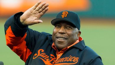 Photo of Hall of Famer, Willie McCovey, dies at age 80